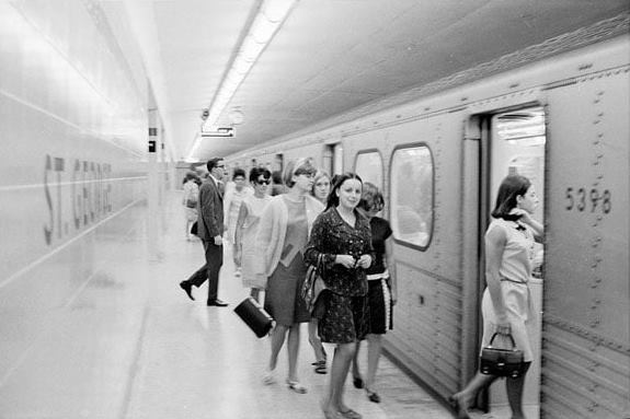 toronto subway st george station